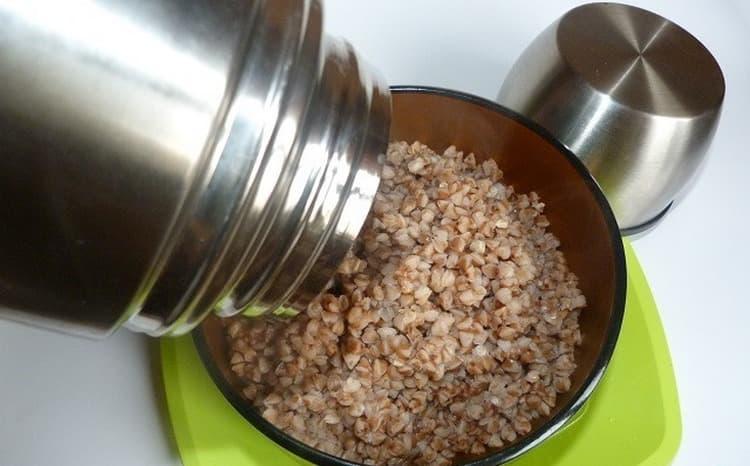 Гречку для такого питания не варят, а запаривают в термосе.