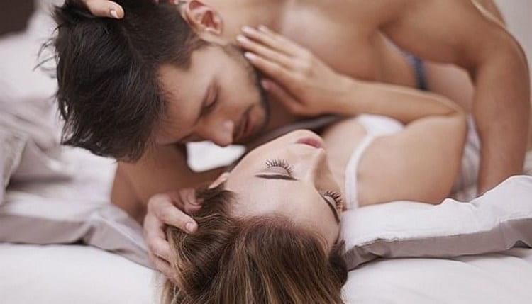 Личи называют также плодом любви, поскольку фрукт повышает сексуальное влечение.