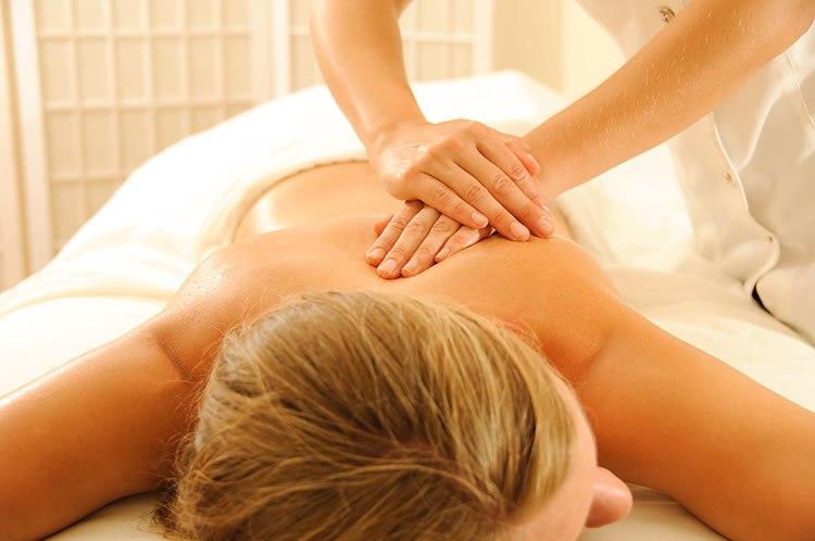 Эфирное масло биоты применяется для расслабляющего массажа.