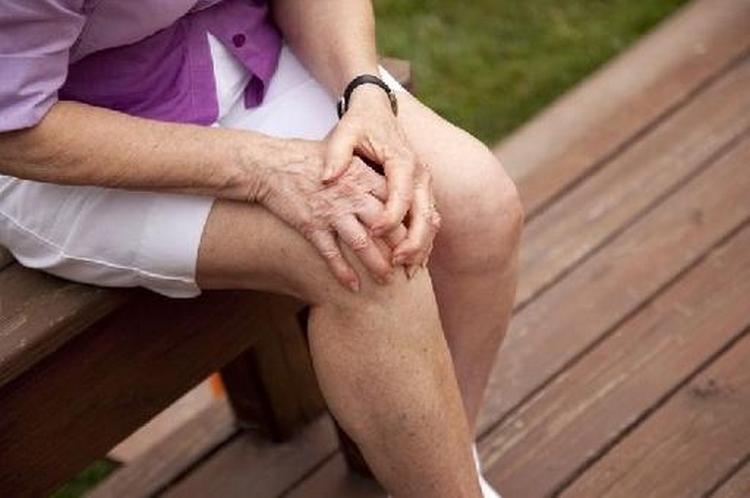 Эффективны компрессы из линнеи при болях в суставах.