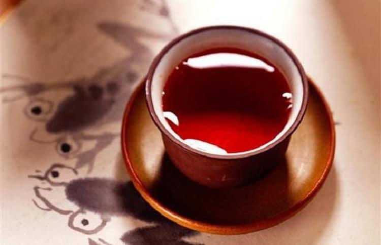 Огромную пользу приносит чай из красного корня для мужчин.