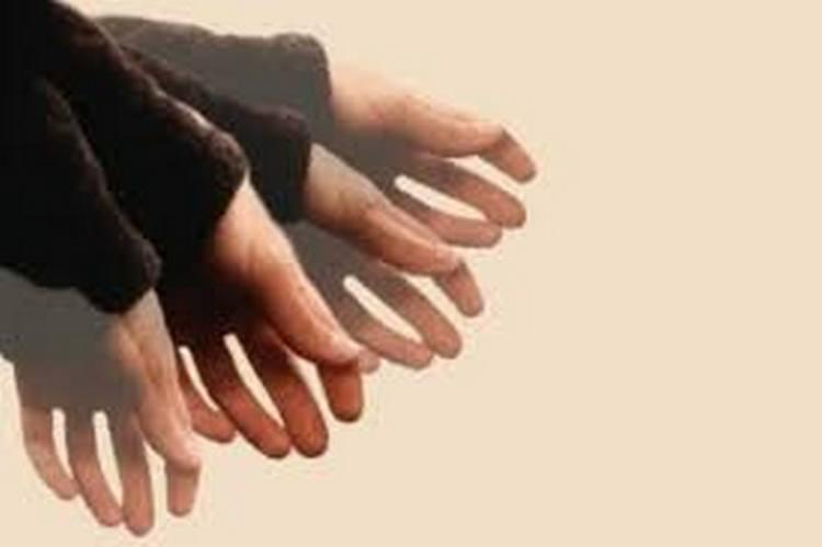 Передозировка препаратов из йохимбе может вызвать дрожание рук,тошноту, слабость.
