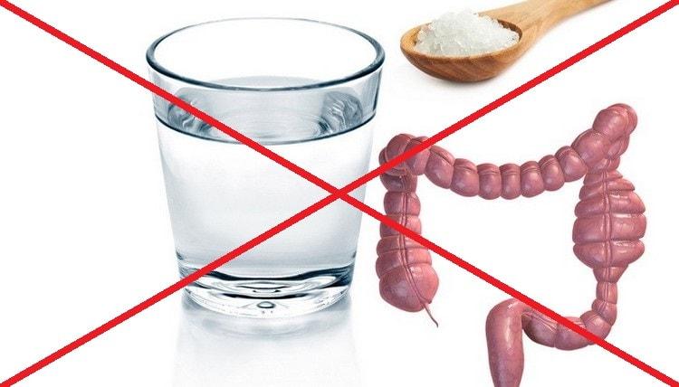 Хотя есть немало положительных отзывов об очищении кишечника соленой водой, этот метод имеет ряд противопоказаний.
