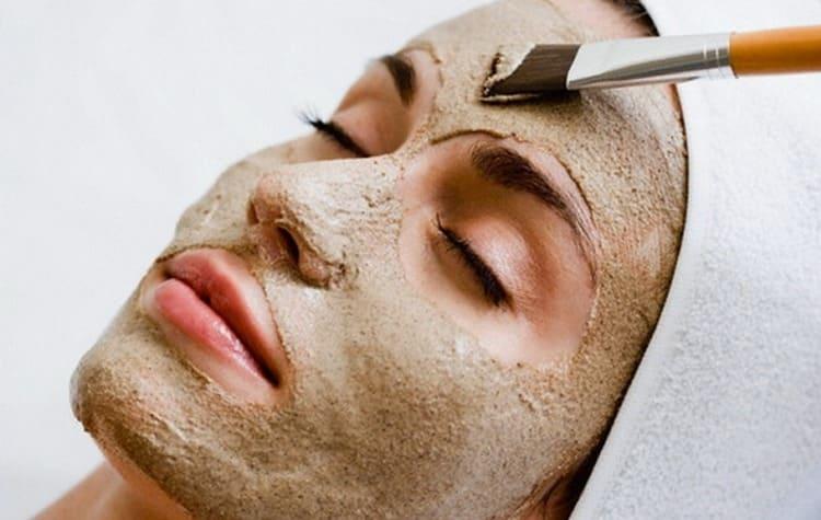 На основе этой ароматной специи делают маски для лица и даже для волос.