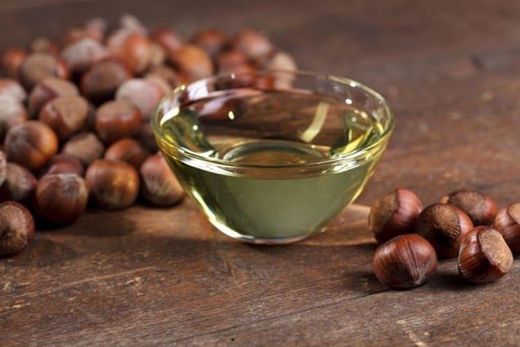 Употребление масла лещины поможет избавиться от паразитов.