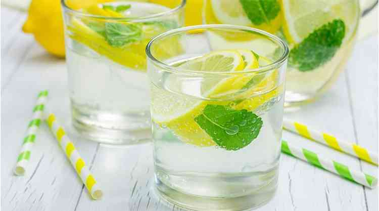 Выпивайте с утра стакан воды с лимоном