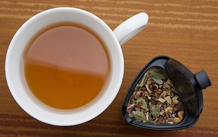 Такой чай можно использовать при лечении простуды и даже гриппа.