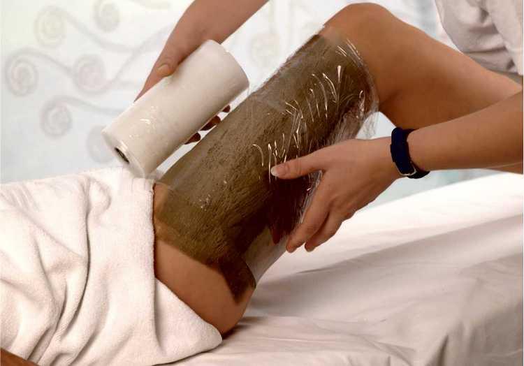 Польза какао-масла для кожи очевидна: продукт используют для обертываний и других процедур.