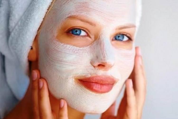 Порошок из коры дерева можно использовать для приготовления масок для лица, а также в качестве пилинга.
