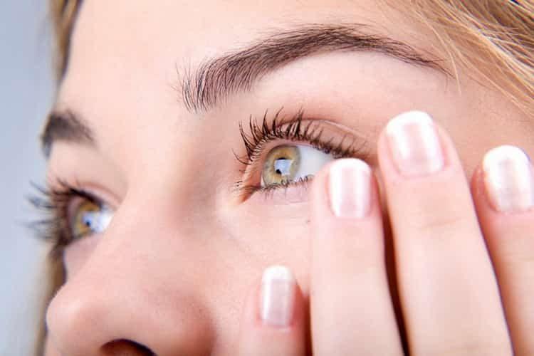 нервный тик глаза причины и лечение