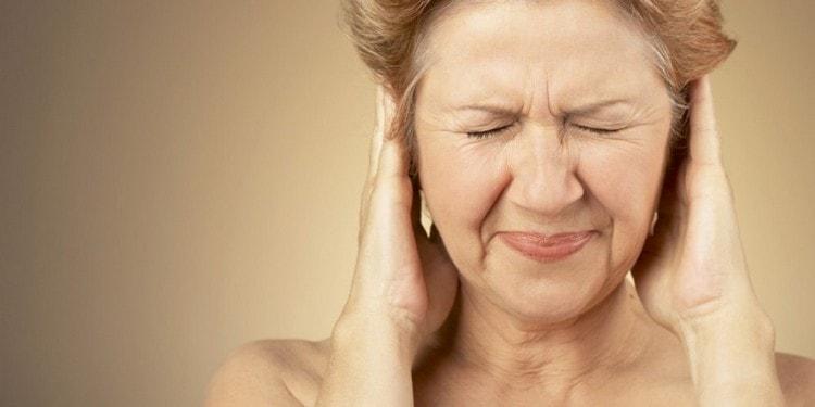 Звон и шум в ушах тоже можно устранить при помощи лекарственных средств на основе черного тополя.