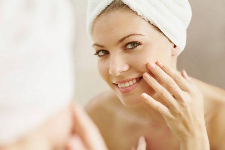 Важно не только применять маски, но и помнить о правильном ежедневном уходе за кожей.
