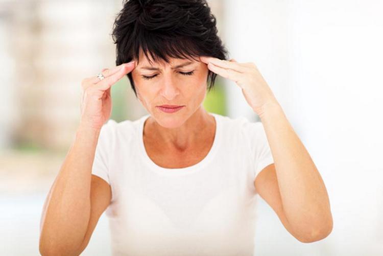 Помогает бадьян избавиться от головных болей.