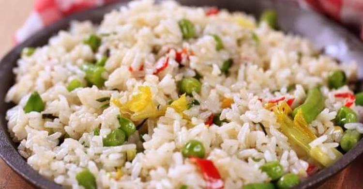 Если рисовая диета на 3 дня действительно строгая, то если растянуть ее, скажем , на 7 дней, можно вводить в меню и овощи.