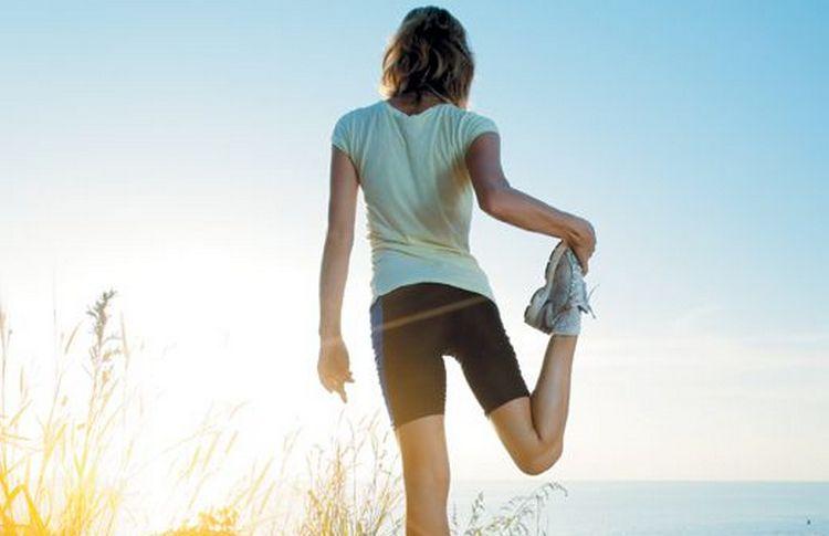Важно избегать сильных физических нагрузок, делать растяжку.