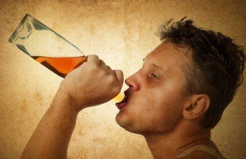 Пить из горла