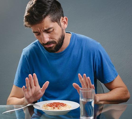 Отказ от еды в период обострения болезни