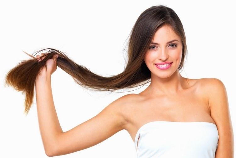В косметологии средство используется для улучшения состояния кожи и укрепления волос.