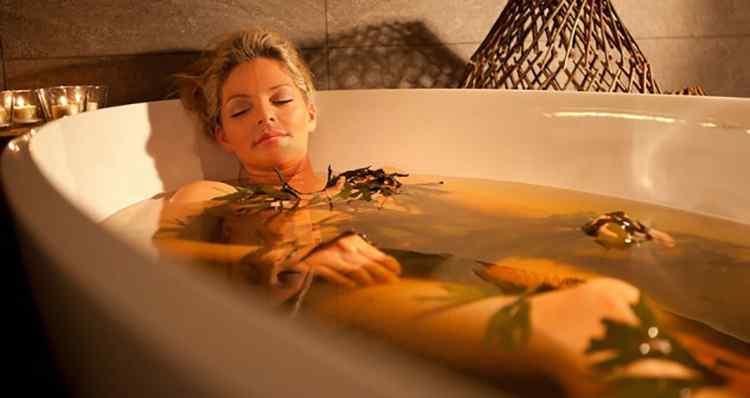 Сныть добавляют в травенніе ванніе