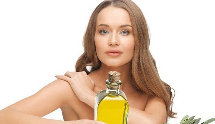 Эфирное масло ванили благотворно влияет на кожу лица.