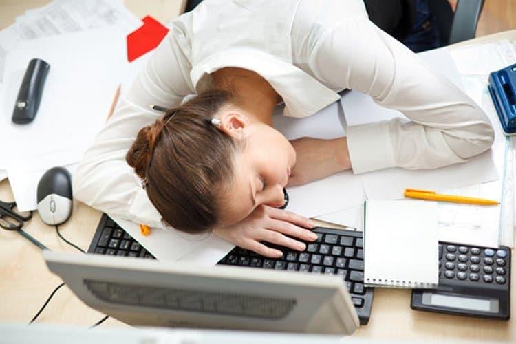 Употребление препаратов на основе гриба показано при хронической усталости.
