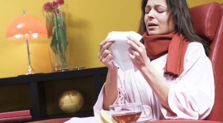Чистка лимфы солодкой и Энтеросгелем показана, например, при частых простудах.