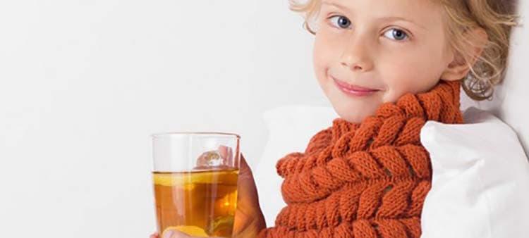Липовый чай помогает справиться с кашлем