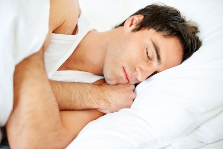 Узнайте все о пользе и вреде чеснока для здоровья организма мужчины.