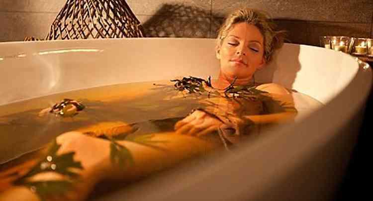 Рута душистая добавляют в расслабляющие ванны