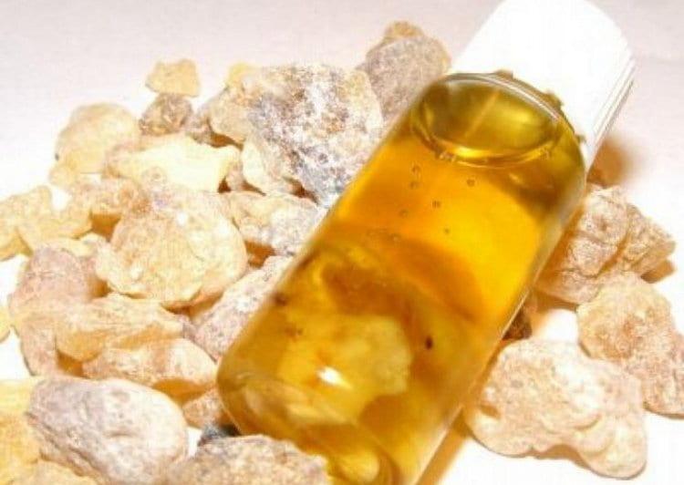 Невзирая на полезные свойства эфирного масла босвеллии, есть и противопоказания к его применению.