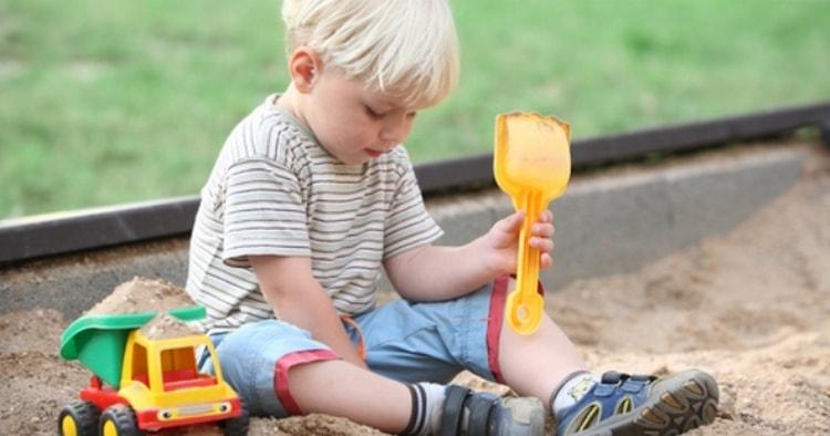 Элементарный метод заразиться аскаридами это детская игра в песочнице.