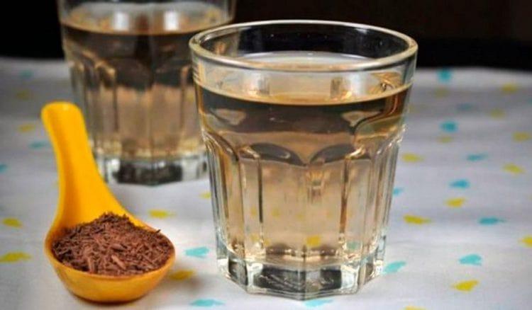 При лечении метеоризма народными средствами можно применять чай из семян укропа, фенхеля, аниса.
