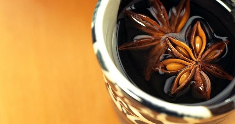 На основе бадьяна готовят также целебные чаи.