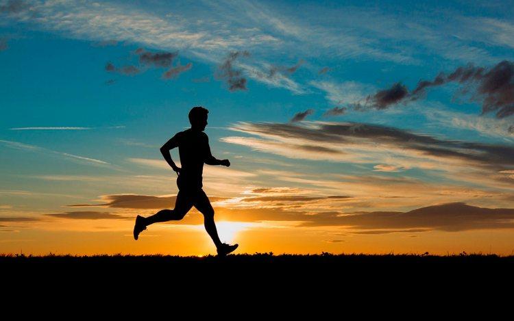 Для профилактики такого недуга важно вести активный образ жизни, заниматься нетравматичным спортом.