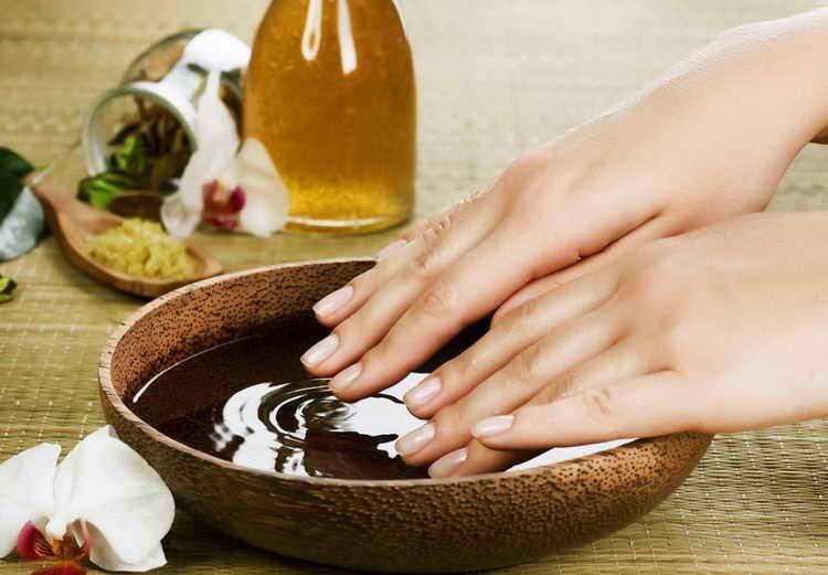 Травяная ванночка от грибка на ногтях