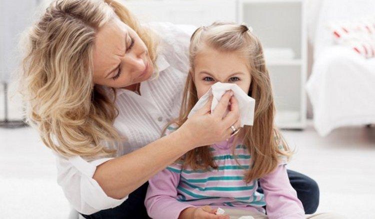 именно аскариды могут провоцировать частые простуды у ребенка.