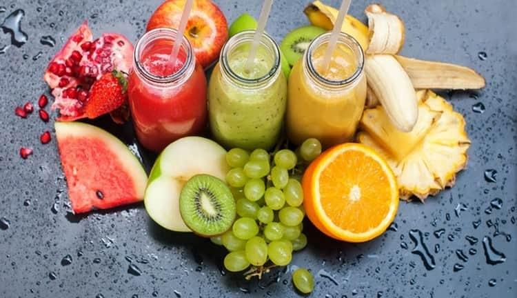 Для профилактики важно чаще бывать на свежем воздухе, правильно питаться, в частности пить больше фруктовых и ягодных соков.