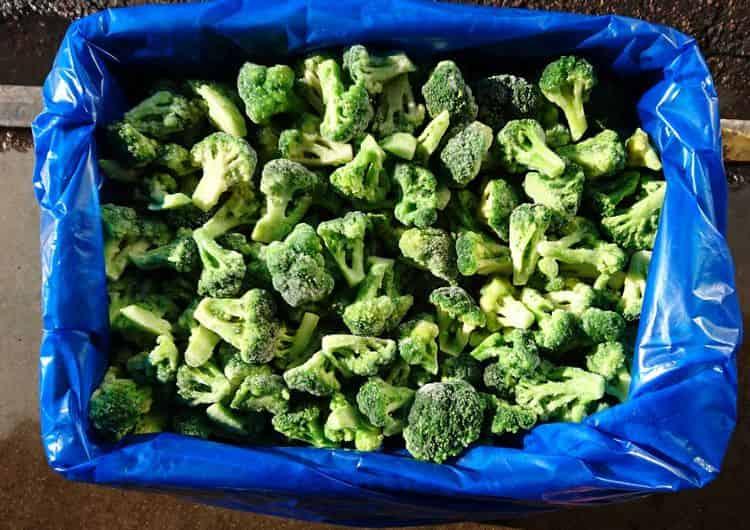 Хранить этот овощ удобно в замороженном виде.