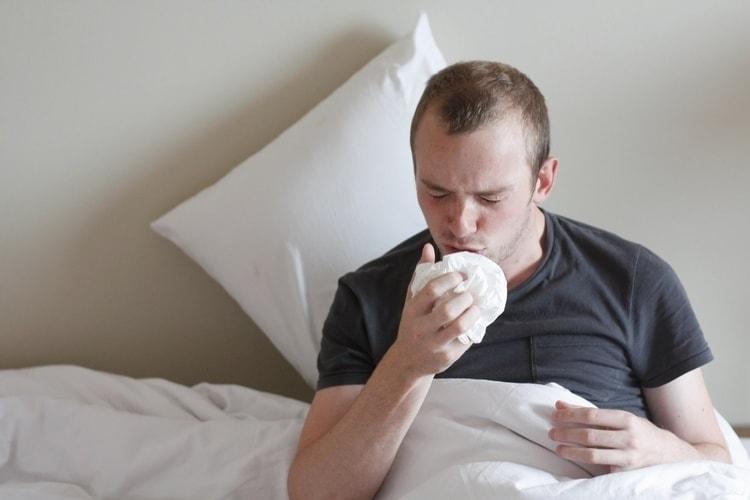 Лечебные свойства касатика используются при лечении пневмонии, кашля, туберкулеза.