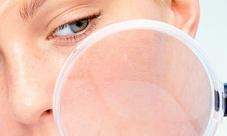 Глубоко очищающая маска для лица позволяет эффективно устранить из кожи токсины, мелкие загрязнения, а также сузить поры.