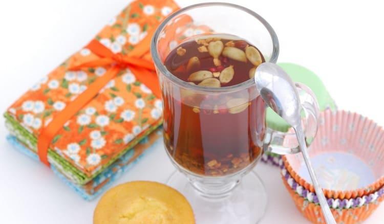 Огромную пользу организму приносит чай с кардамоном.