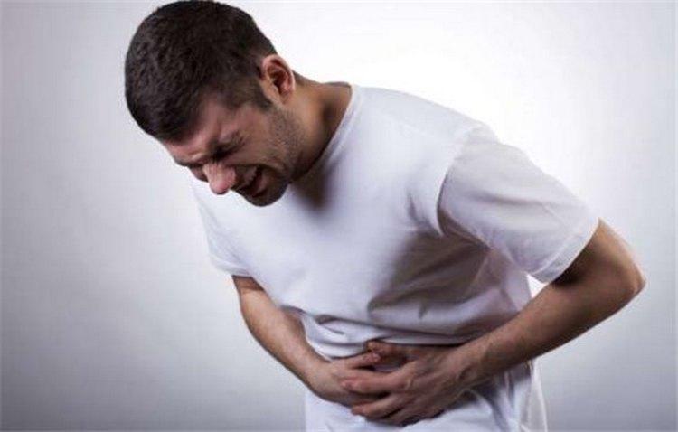 Есть ряд характерных симптомов, которые свидетельствуют о хроническом панкреатите у взрослых, что говорит о необходимости лечения.