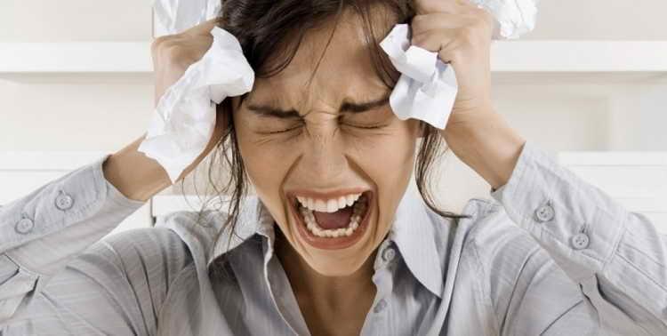 Ярко выраженный предменструальный синдром и неврозы