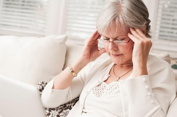 Употреблять препараты на основе сиды надо крайне осторожно, поскольку растение ядовито.