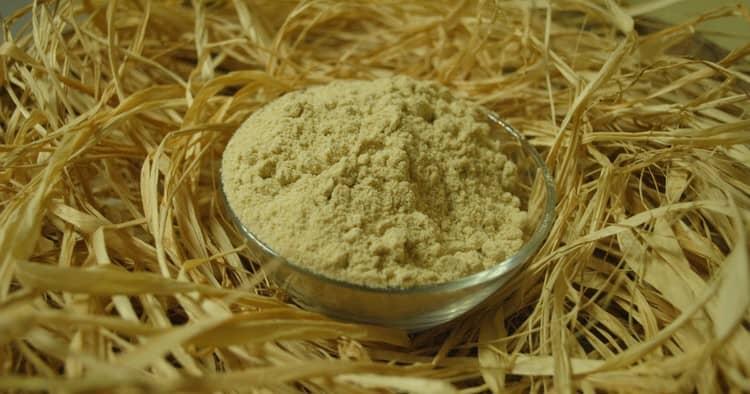 Чечевичную муку можно использовать для приготовления целебной мази.