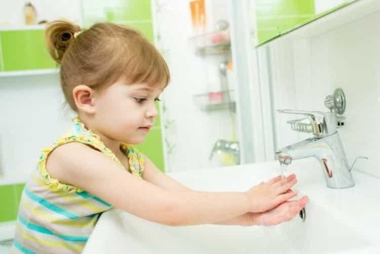 Молочница у детей во рту: причины, симптомы и лечение народными средствами в домашних условиях
