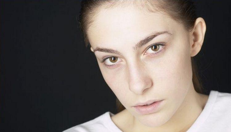 Нередко причинами сонливости и слабости у женщины могут быть гормональные сбои.
