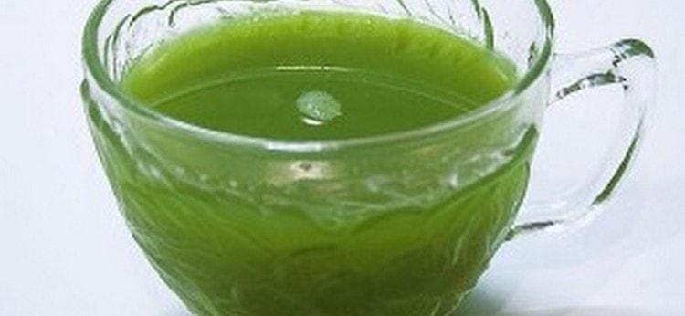 свежим соком растения полощут ротовую полость при парадонтозе.