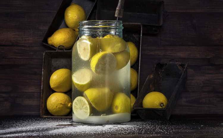Смесь лимонного сока, водки и яичной скорлупы при атопическом дерматите