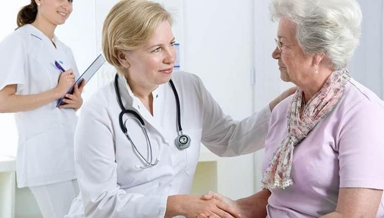Перед тем как использовать цветок заячьей капусты для лечения болезней, желательно проконсультироваться с врачом.